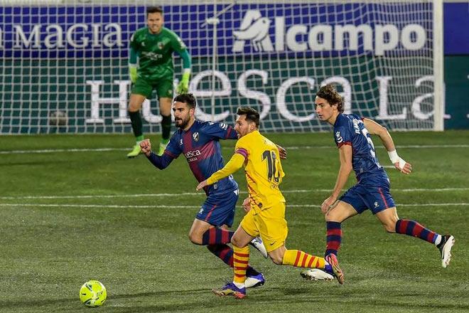 """Video Huesca - Barcelona: Messi rực sáng, """"vị cứu tinh"""" bất ngờ"""