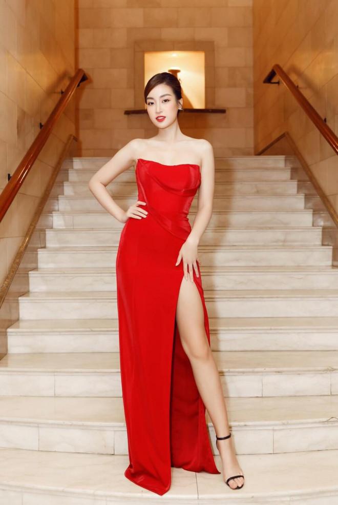 'Đụng hàng' một loạt mỹ nhân đình đám, Hoa hậu Đỗ Thị Hà vẫn tự tin với thần thái xinh đẹp - 3