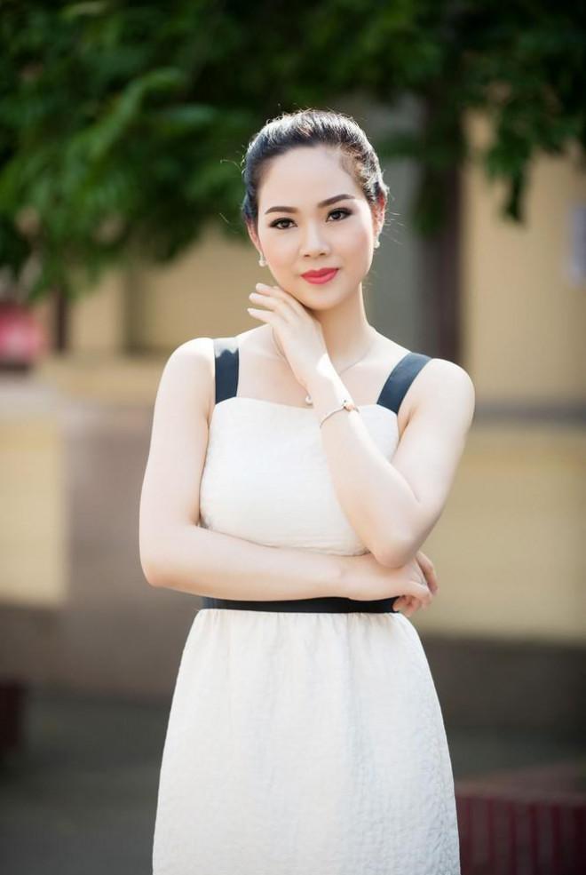 Hoa hậu Mai Phương đẹp mặn mà, 'tái xuất' sau 16 năm đăng quang - 3