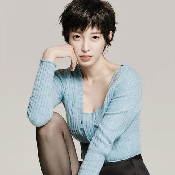 Nhan sắc quá đỗi trẻ trung của 'mỹ nhân thẩm mỹ' Han Ye Seul ở tuổi 41 - 1