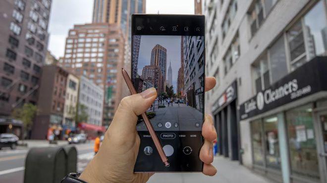 Αυτά είναι τα καλύτερα τηλέφωνα με κάμερα για το νέο έτος - 4