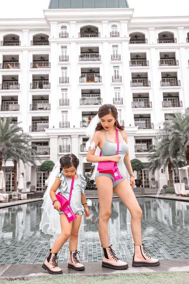 """Vợ tỷ phú ngành nhựa Sài thành mặc áo bơi, quần tập ra đường """"không hề giả trân"""" - 6"""