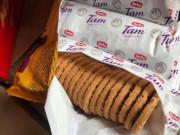 Thu giữ hơn 3 tấn bánh quy nhập ngoại dập lại date tuồn ra chợ Tết