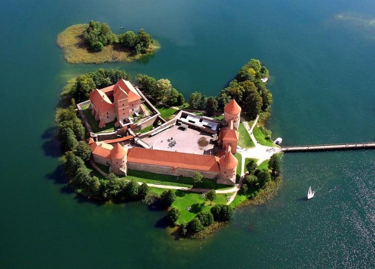 10 thị trấn thời Trung cổ đẹp nhất thế giới - 25