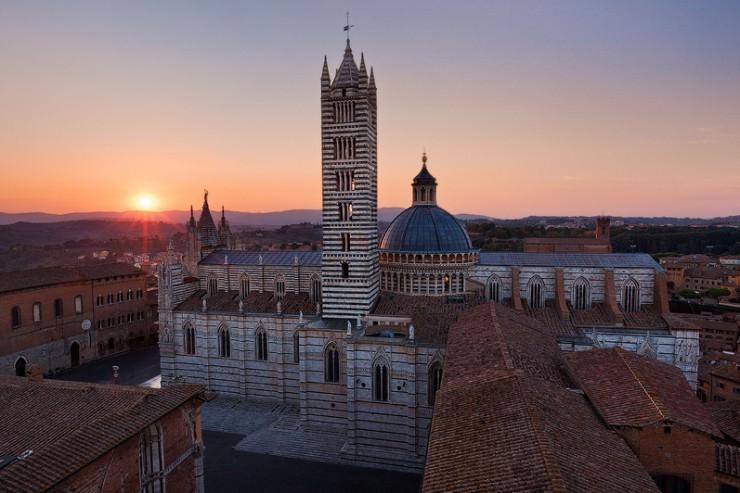 10 thị trấn thời Trung cổ đẹp nhất thế giới - 16