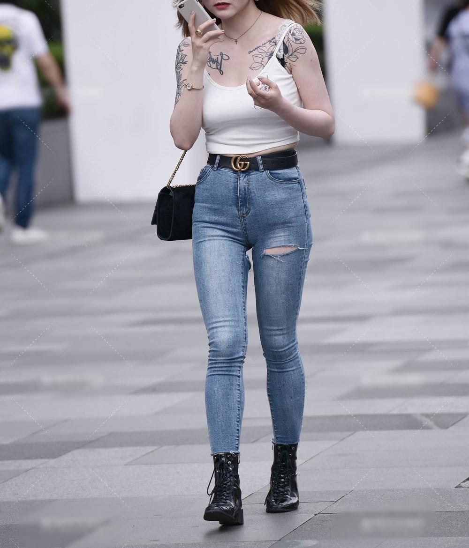 Cô gái mặc quần rách đúng vòng 3, xuề xòa với kiểu mặc nổi trên phố vì kém duyên - 2