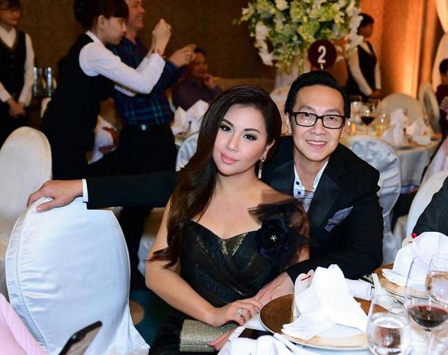 Mặc dù không phải tỷ phú như chị gái Hà Phương, nhưng chồng Minh Tuyết cũng là một doanh nhân thành đạt tại Mỹ. Anh sở hữu tài sản triệu đô cùng hàng loạtdự án bất động sản có giá trị tại các thành phố lớn