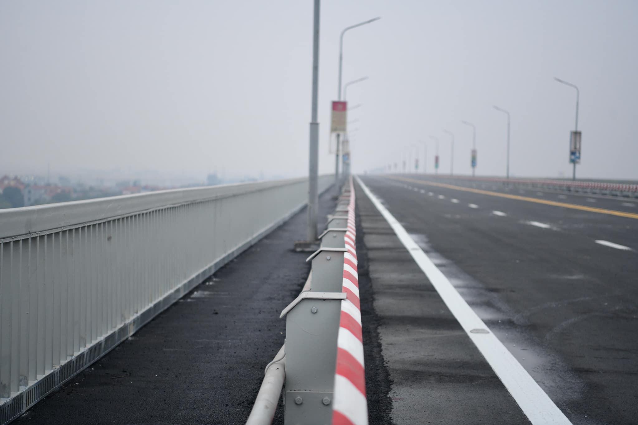 """Cây cầu 2 tầng độc nhất trên sông Hồng chính thức thông xe sau cuộc """"đại phẫu"""" - 14"""