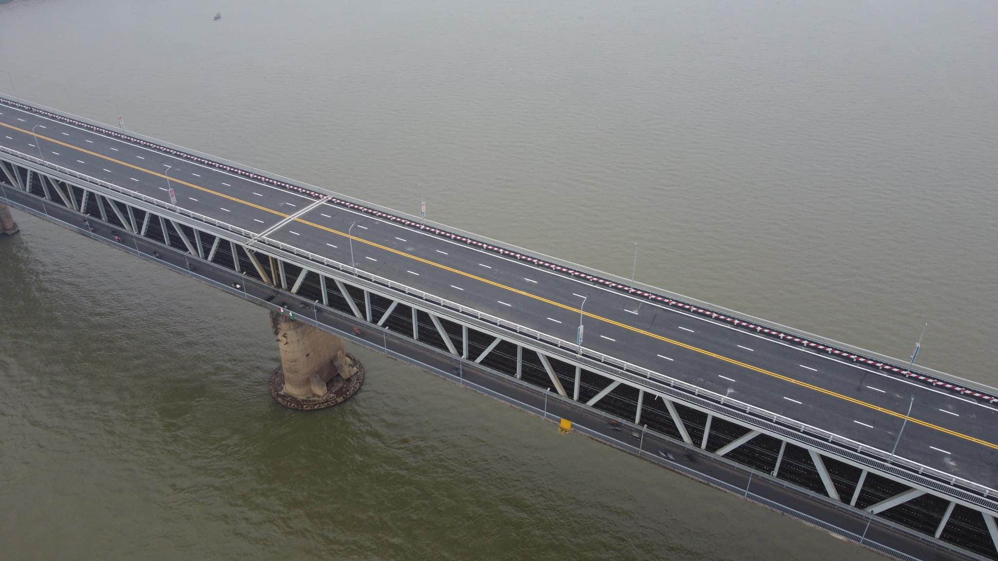 """Cây cầu 2 tầng độc nhất trên sông Hồng chính thức thông xe sau cuộc """"đại phẫu"""" - 7"""