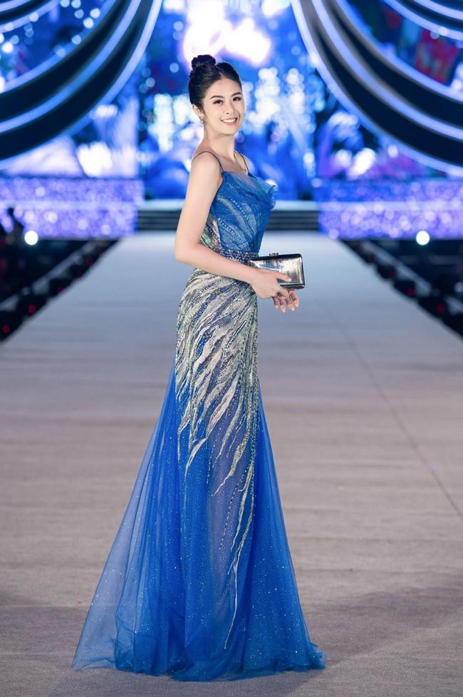 Người đẹp sinh năm 1989 cho biết kinh doanh mới là công việc chính để cô có thể kiếm tiền. Bên cạnh nghệ thuật, Ngọc Hân còn lấn sân sang lĩnh vực bất động sản và kinh doanh thời trang riêng.