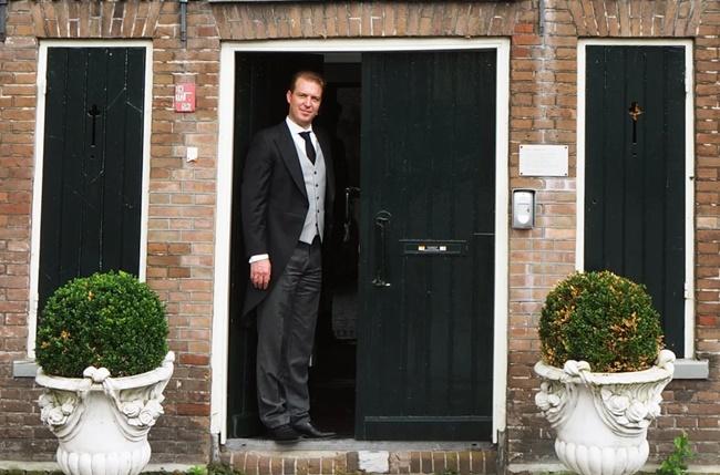 Suốt 6 năm qua,André Meester đã làm quản gia chuyên nghiệp để chăm lo nhà cửa cho một quý ông 56 tuổi ở Hà Lan. Thời gian làm việc là 60 giờ/tuần.