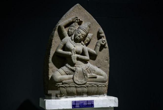 1610121000 4fc28c94c62a8c68d08af85c75bb71a8 Chiêm ngưỡng vẻ đẹp phù điêu nữ thần Sarasvati vừa được công nhận Bảo vật Quốc gia