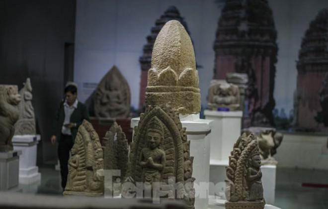Chiêm ngưỡng vẻ đẹp phù điêu nữ thần Sarasvati vừa được công nhận Bảo vật Quốc gia - 4