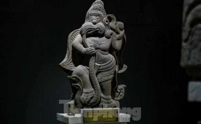 Chiêm ngưỡng vẻ đẹp phù điêu nữ thần Sarasvati vừa được công nhận Bảo vật Quốc gia - 8