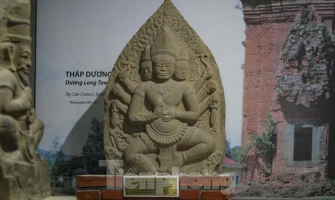Chiêm ngưỡng vẻ đẹp phù điêu nữ thần Sarasvati vừa được công nhận Bảo vật Quốc gia - 6