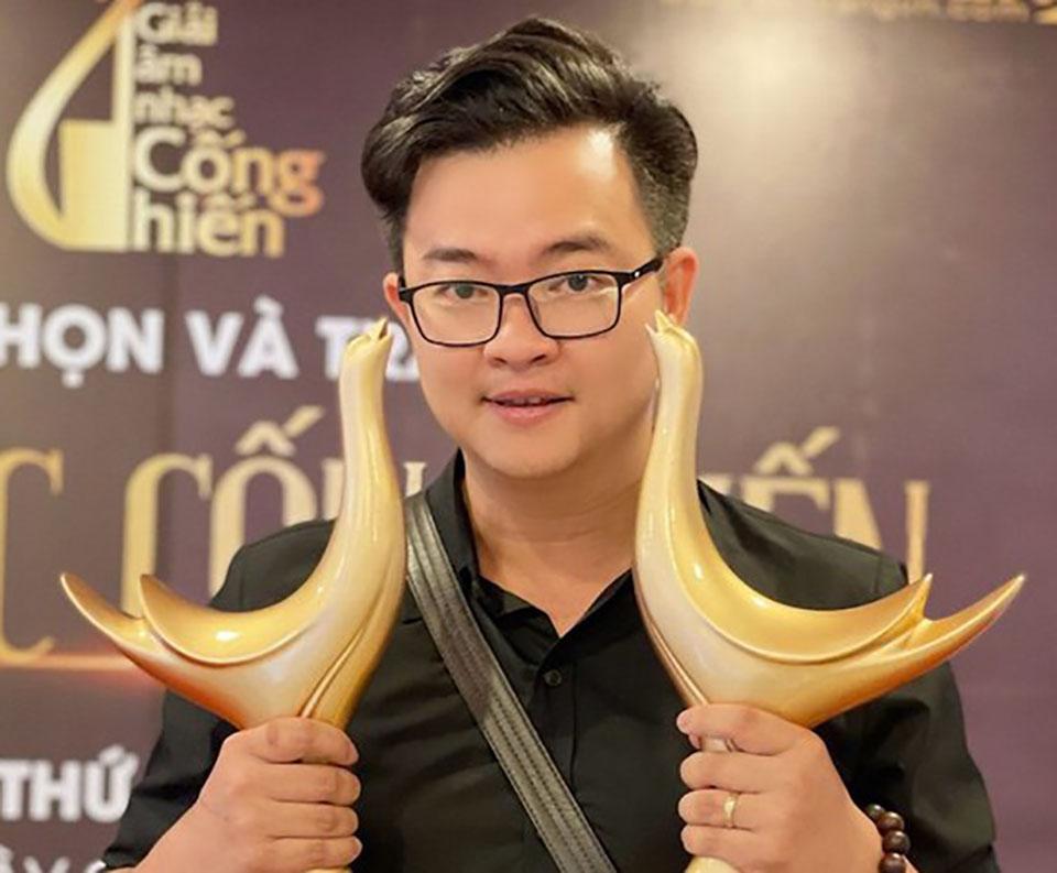 """Sau Hoài Lâm, tác giả bản hit """"Hoa nở không màu"""" giới thiệu nhân tố mới - 1"""