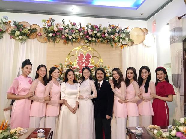 Hoa hậu Tiểu Vy, Mỹ Linh mặc áo bà ba cực dễ thương trong đám cưới Á hậu Thúy An - 1