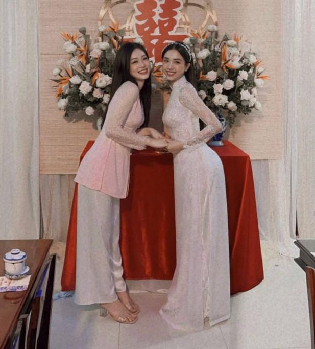 Hoa hậu Tiểu Vy, Mỹ Linh mặc áo bà ba cực dễ thương trong đám cưới Á hậu Thúy An - 4