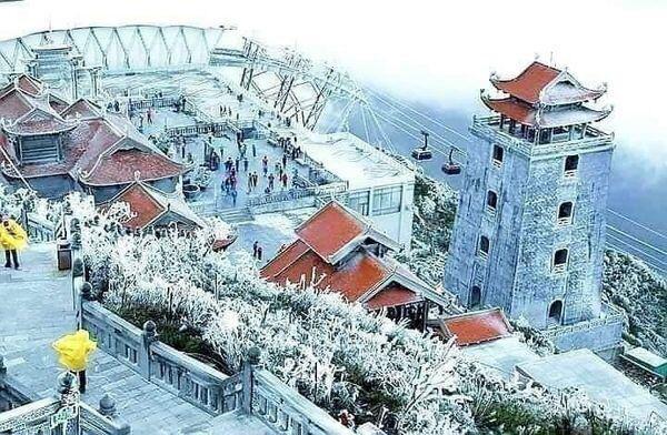 Tuyết trắng bao phủ nhiều nơi ở tỉnh Lào Cai - 2
