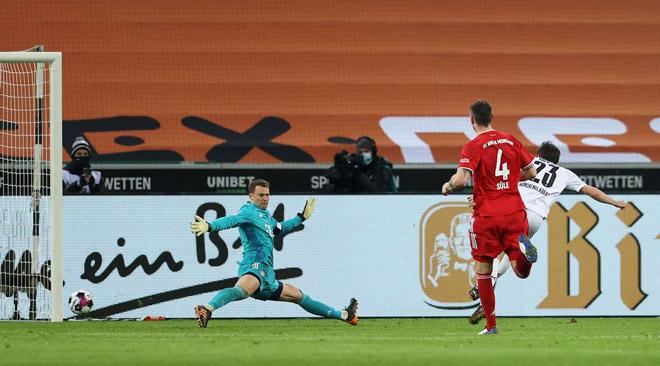 Video Monchengladbach - Bayern: Rượt đuổi 5 bàn, địa chấn khó tin - 1
