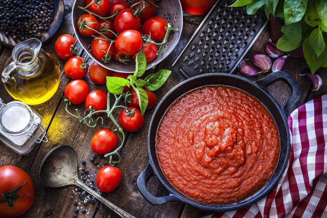 Cách làm sốt cà chua phết đế pizza, mì spaghetti chuẩn vị nhà hàng Ý - 1