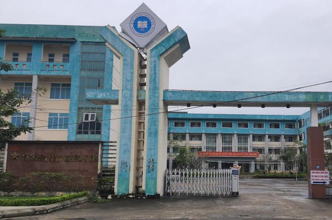 Giảng viên ở Quảng Nam bị kỷ luật vì vòi tiền sinh viên nước ngoài - 1