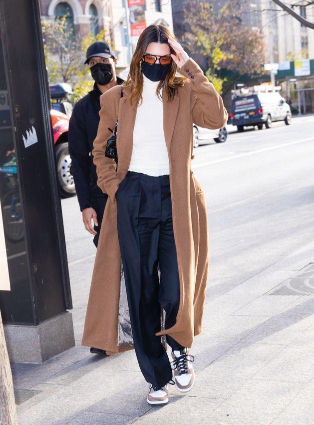 Ngắm outfit dạo phố cuối tuần của Kendall Jenner, biết luôn xu hướng nào sắp lên ngôi - 1