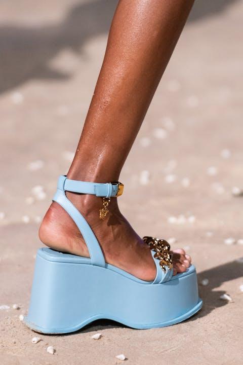 9 xu hướng giày nổi bật được mong đợi cho mùa xuân hè 2021 - 4