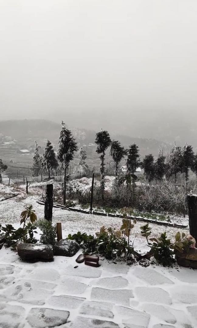 Clip: Tuyết đang rơi trắng xóa ở Y Tý - 1