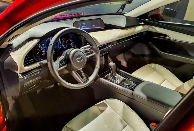 Giá xe Mazda 3 mới nhất tháng 01/2021 và đánh giá chi tiết - 4