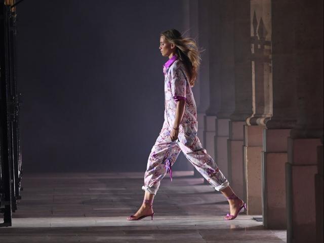 Thời trang - Số phận Tuần lễ thời trang Paris trong 2021 sẽ ra sao khi Covid vẫn còn đó?