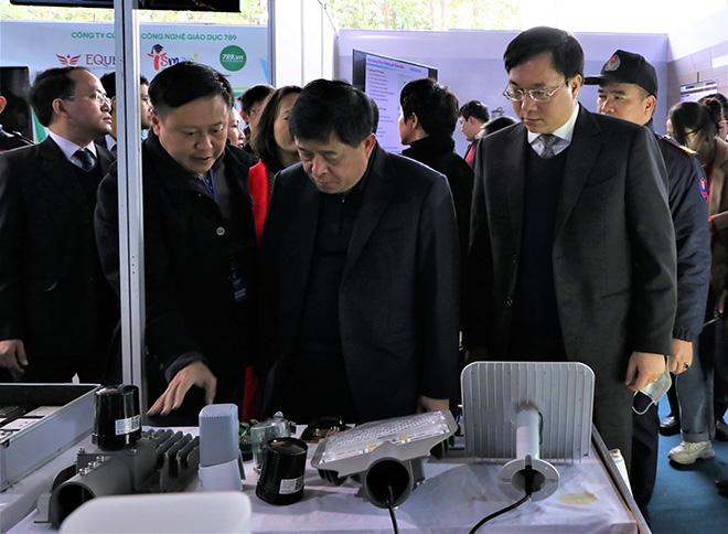 Trình diễn công nghệ của VIoT và VONTA tại triển lãm quốc tế đổi mới sáng tạo Việt Nam 2021 - 1