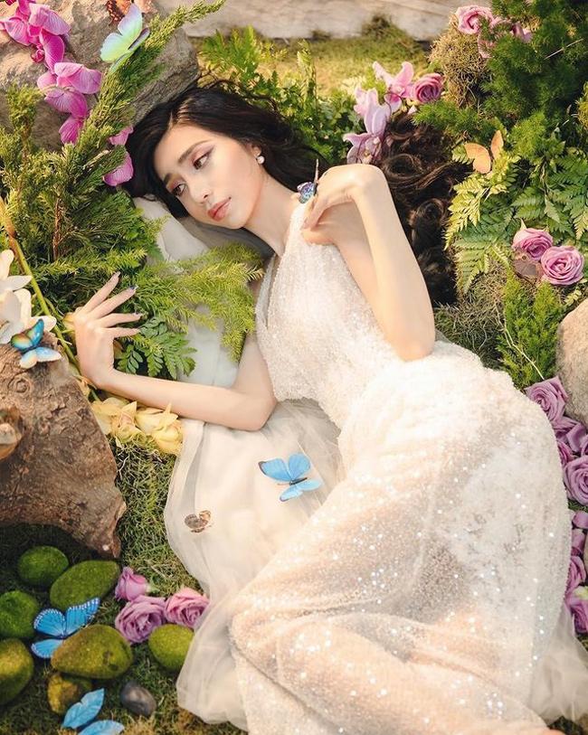 Năm 2019, Khánh Vân chi tiền tỷthực hiện cuộc phẫu thuật chuyển giới ở Thái Lan.