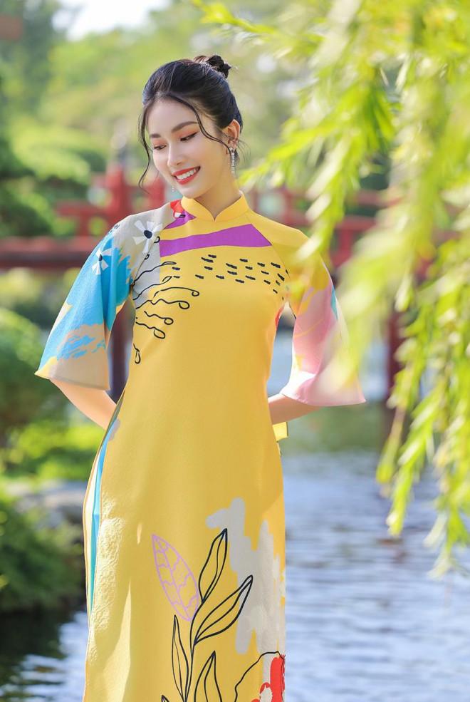 Á Hậu Phương Anh - Ngọc Thảo khoe trọn thần thái xinh đẹp, yêu kiều với áo dài Tết - 6