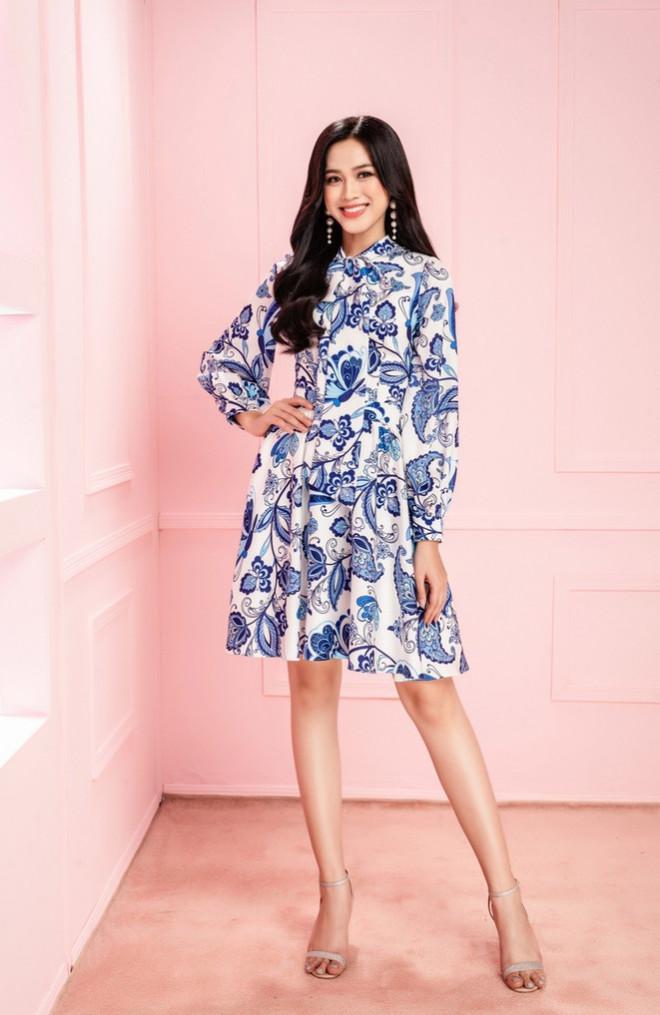 Học Hoa hậu Đỗ Thị Hà và hai nàng Á hậu cách chọn trang phục xinh tươi mùa Lễ Tết - 1