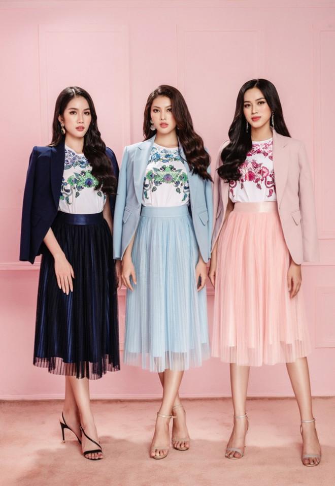 Học Hoa hậu Đỗ Thị Hà và hai nàng Á hậu cách chọn trang phục xinh tươi mùa Lễ Tết - 9