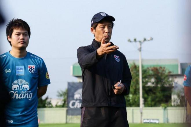 Động thái cho thấy HLV Thái Lan quyết hạ bệ thầy trò HLV Park Hang-seo - 1