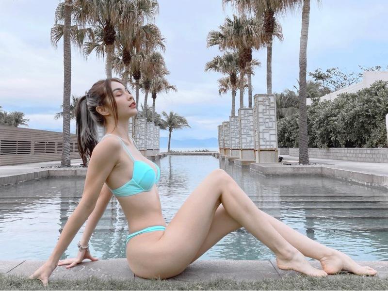 """""""Bông hồng lai"""" Việt - Pháp sở hữu bộ sưu tập bikini đồ sộ - 8"""