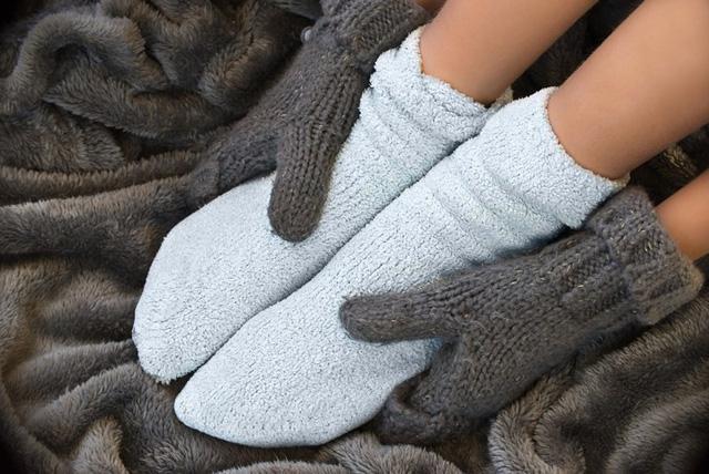 Hóa ra thói quen mang tất đi ngủ vào mùa lạnh lại có những tác dụng tuyệt vời như thế này - 2