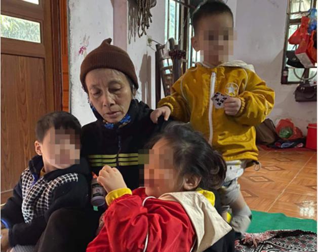2 cháu bé bị bỏ rơi trên đê sông Hồng có thể phải vào trại trẻ mồ côi nếu bác ruột không nhận - 1