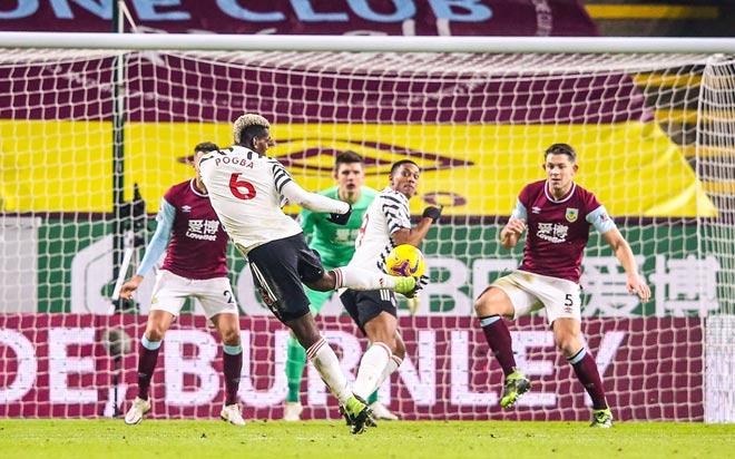 MU soán ngôi số 1 của Liverpool: Pogba chê trọng tài, Solskjaer cảnh giác - 1