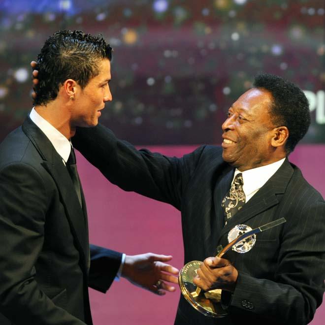 Ronaldo & điềm lành 13/1: Hai lần vượt Messi ẵm Bóng vàng, hat-trick đầu cho MU - 1