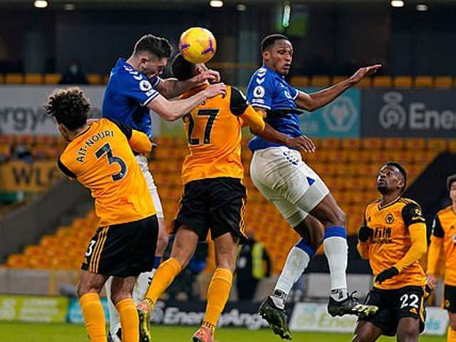 Video Wolves - Everton: Ăn miếng trả miếng, khác biệt ở trung vệ - 1