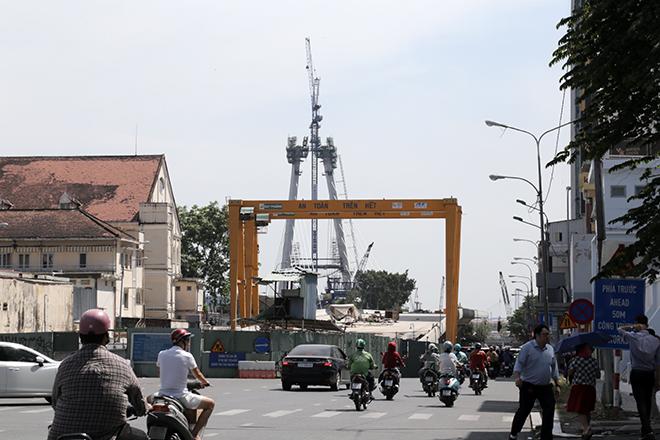 """Ảnh: Cầu biểu tượng mới ở TP.HCM bắc qua sông Sài Gòn """"đứng hình"""" sau 5 năm khởi công - 6"""