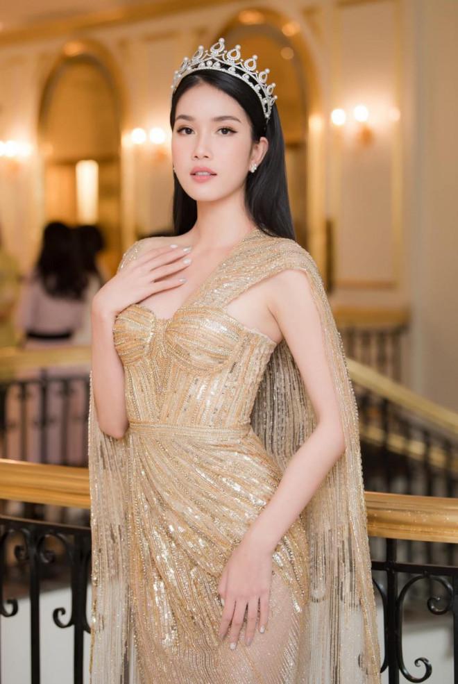Giản dị lên giảng đường, Hoa hậu Đỗ Thị Hà vẫn được khen ngợi xinh đẹp rạng rỡ - 6