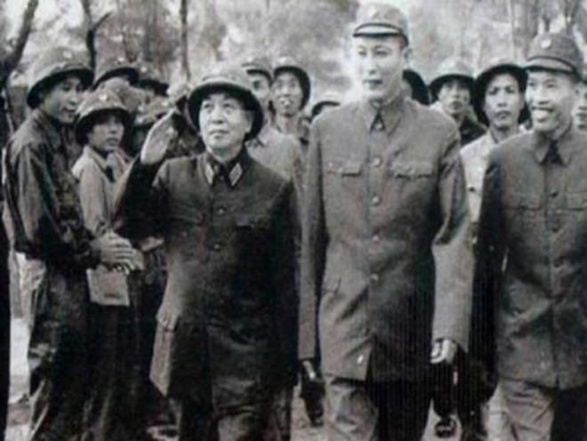 Thủ tướng kết luận việc đặt tượng tướng Đồng Sỹ Nguyên - 1