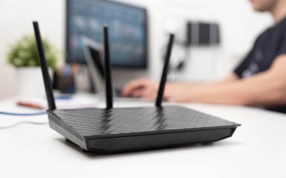 Có nên bật router WiFi liên tục hay không? - 1