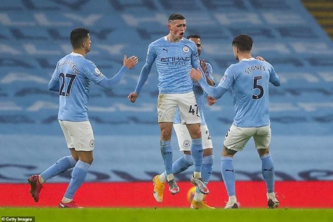 Kịch tính bảng xếp hạng Ngoại hạng Anh: Man City đe dọa Liverpool, Tottenham lỡ top 4 - 1