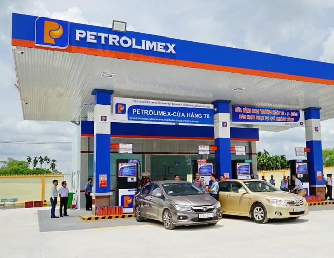 Lợi nhuận năm 2020 của đại gia xăng dầu Petrolimex giảm tới 77,5% - 1