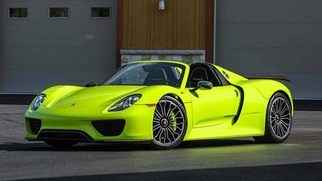 1. Porsche 918 Spyder 2015 (thời gian tăng tốc từ 0-96 km/h: 2,1 giây)